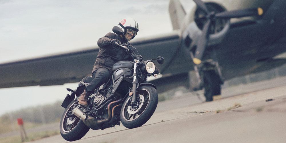 2017-Yamaha-XSR700